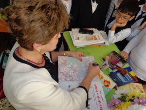 """Întâlnire cu un autor de cărţi pentru copii - Vera Crăciun, la Şcoala Gimnazială """"Mihai Eminescu"""""""