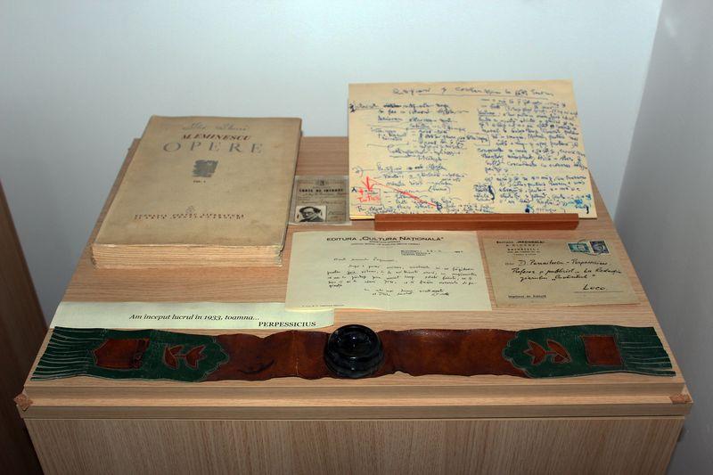 Casa Perpessicius, Manuscrise, instrumente de scris, ediția Perpessicius a operei lui Eminescu